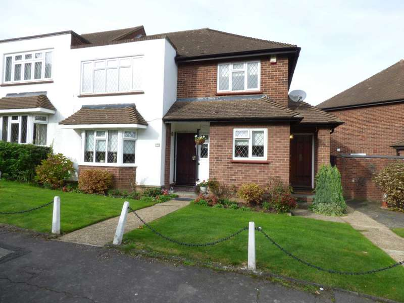 2 Bedrooms Apartment Flat for sale in Warren Court, Chigwell