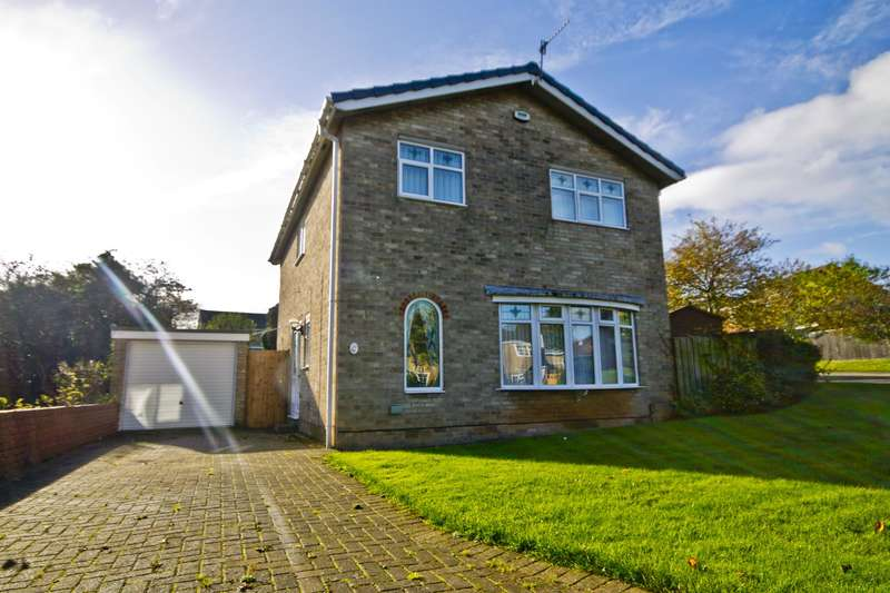 4 Bedrooms Detached House for sale in Farndale Drive, Guisborough, TS14 8JX