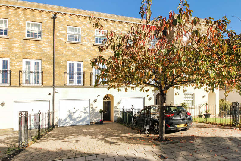 4 Bedrooms Town House for sale in Chadwick Place, Long Ditton, Surbiton