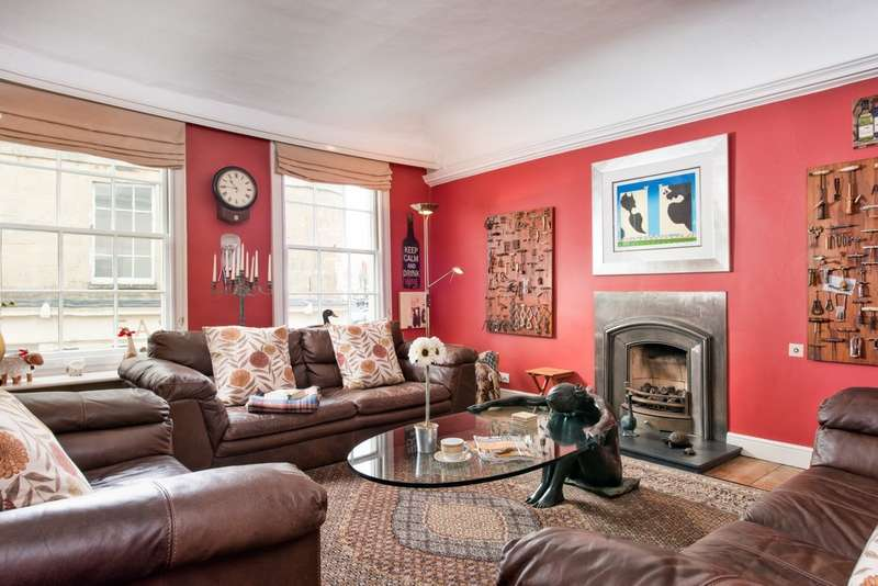 5 Bedrooms Town House for sale in Cirencester