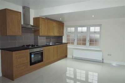 2 Bedrooms Property for rent in Southgate Road, EN6 5EH