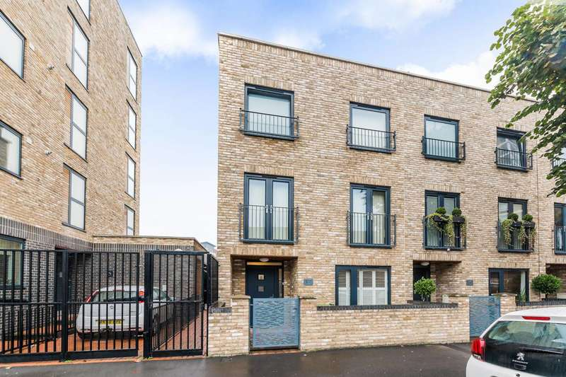 4 Bedrooms House for sale in Queens Road West, Plaistow, E13