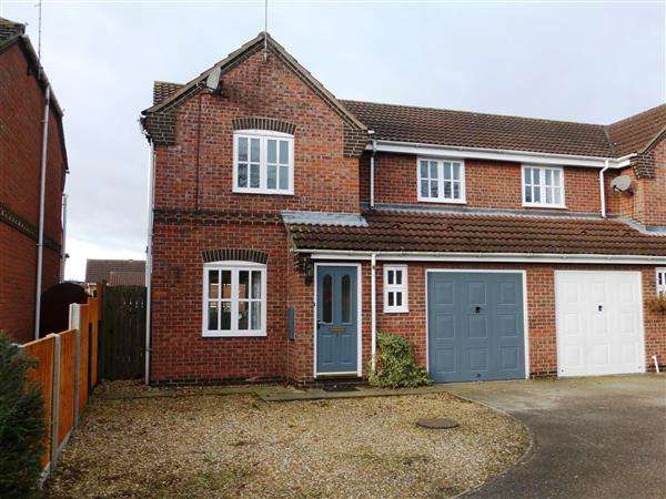 3 Bedrooms Semi Detached House for sale in Gorse Close, Scunthorpe