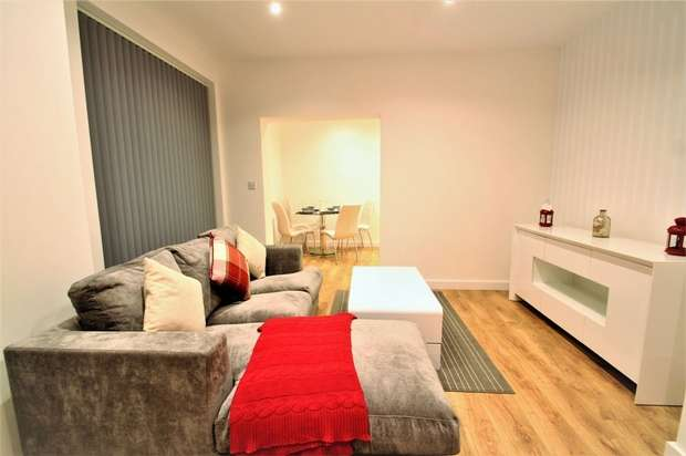 3 Bedrooms Flat for rent in 52 Sydney Road, Enfield, Greater London