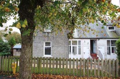 2 Bedrooms Flat for sale in John Clark Street, Largs