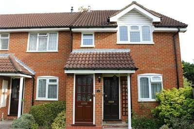 1 Bedroom Maisonette Flat for sale in Whisperwood Close, Harrow Weald