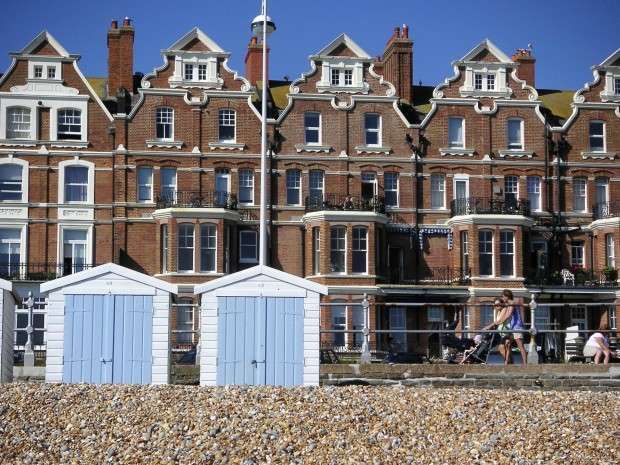 2 Bedrooms Maisonette Flat for sale in Newdigate House, Knole Road, Bexhill-on-Sea, TN40