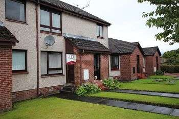 2 Bedrooms Flat for rent in Lochpark Place, Denny, FK6 5AA