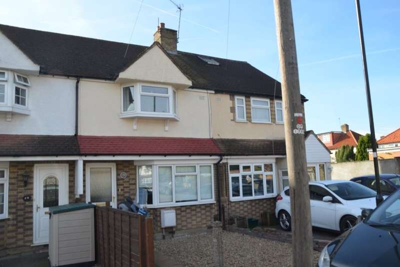 3 Bedrooms Property for sale in Swan Close, Feltham, TW13