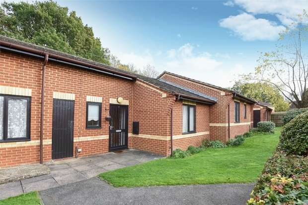 1 Bedroom Terraced Bungalow for sale in Kennet Court, WOKINGHAM, Berkshire