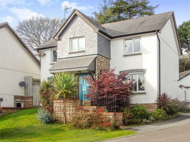 4 Bedrooms Detached House for sale in Chynoon Gardens, St Austell, Cornwall