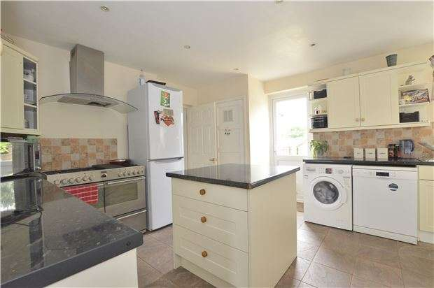 4 Bedrooms Semi Detached House for sale in Copsleigh Way, REDHILL, RH1 5BE