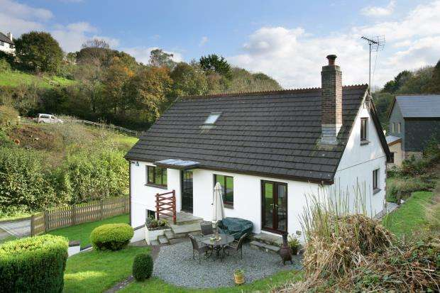 3 Bedrooms Detached House for sale in Burraton Coombe, Saltash, Cornwall