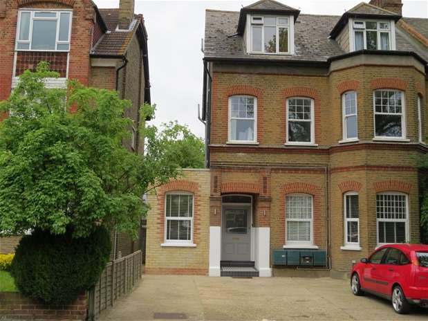 3 Bedrooms House for rent in Newlands Park, Sydenham