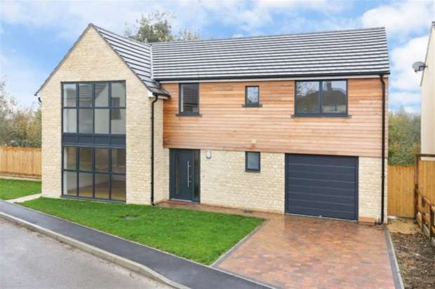 4 Bedrooms Detached House for sale in Rodden Road, Frome