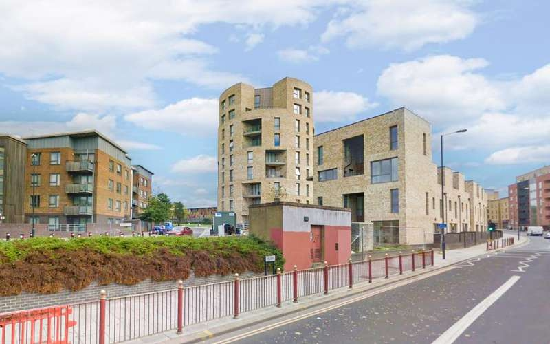 2 Bedrooms Flat for sale in Rotunda, Stonebridge Park, NW10