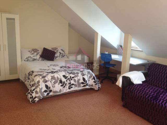 9 Bedrooms House for rent in Barrfield Road, Salford, Manchester