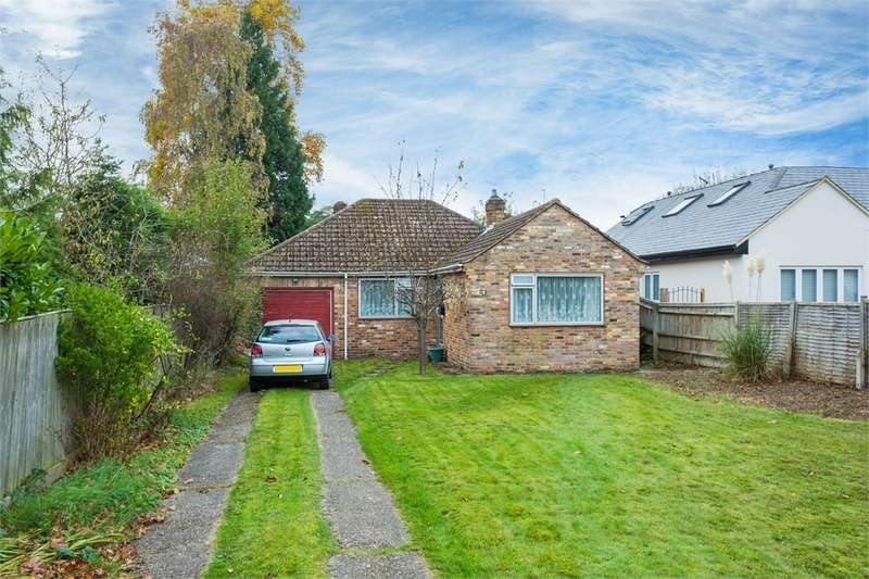 2 Bedrooms Detached Bungalow for sale in Monument Lane, Chalfont St Peter, Buckinghamshire