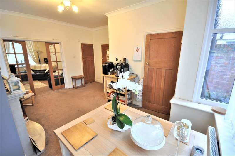 3 Bedrooms End Of Terrace House for sale in Trafford Street, Preston, Lancashire, PR1 7XY