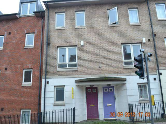 4 Bedrooms Town House for rent in Augusta Court, Exeter, Devon