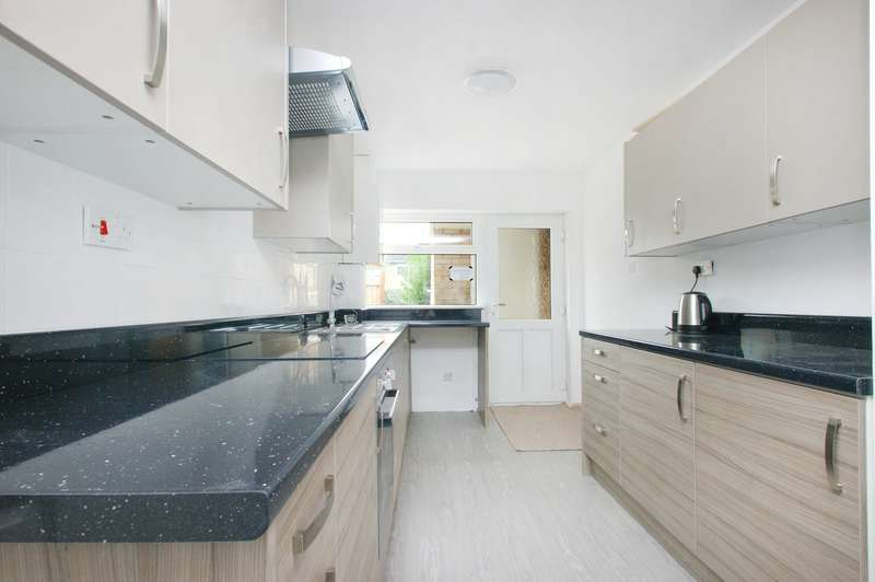 4 Bedrooms Town House for sale in Burgess Walk, YORK, YO24