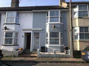 2 Bedrooms Terraced House for sale in Elphick Road, Newhaven, East Sussex, .