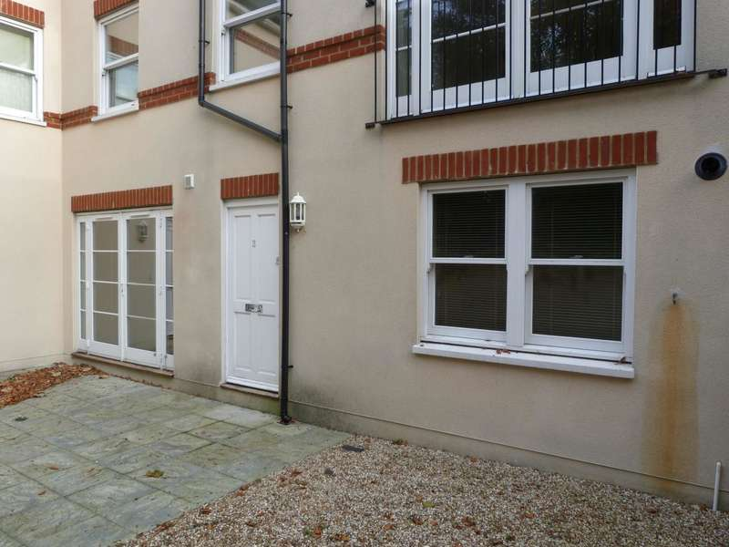 2 Bedrooms Flat for sale in St. Peters Road, Broadstairs