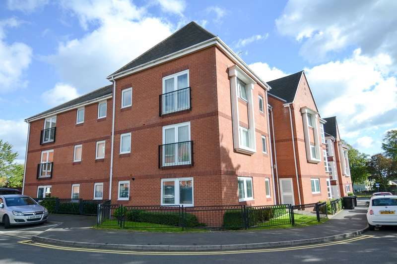 3 Bedrooms Apartment Flat for sale in School Close, Northfield, Birmingham, B31