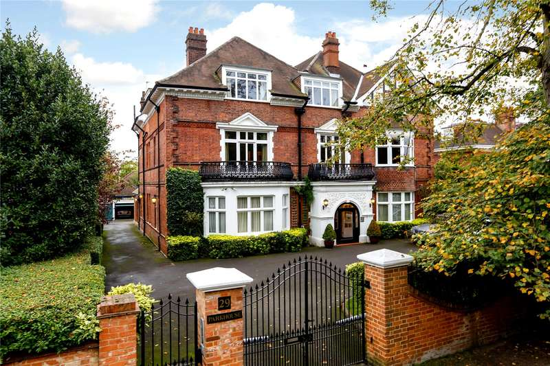 4 Bedrooms Flat for sale in Parkside, London, SW19