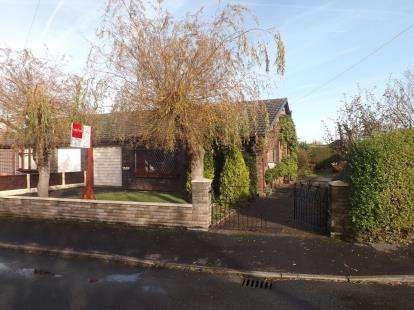 3 Bedrooms Bungalow for sale in Osborne Road, Lowton, Warrington, Greater Manchester