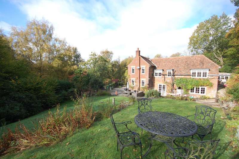 5 Bedrooms Detached House for sale in Perry Wood, Selling, Faversham