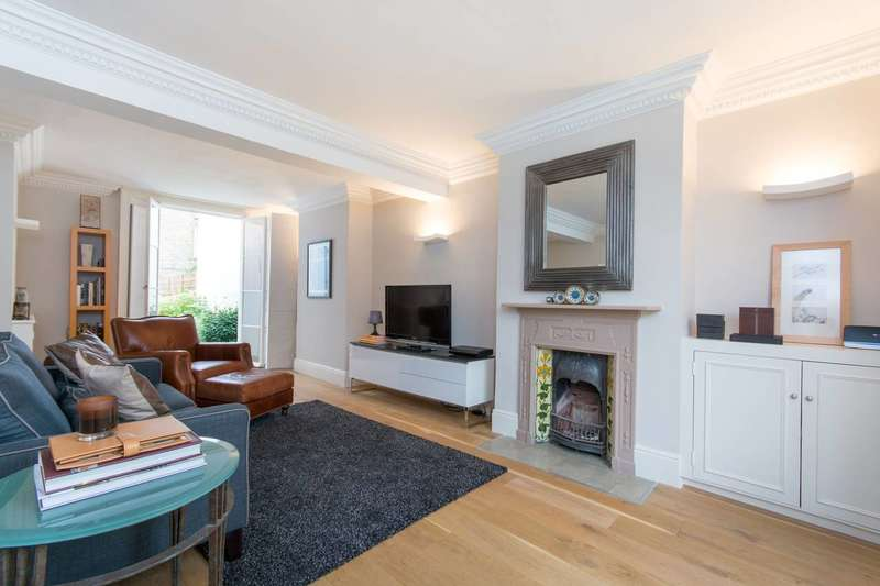 2 Bedrooms Terraced House for sale in Clapham Manor Street, Clapham Old Town, SW4