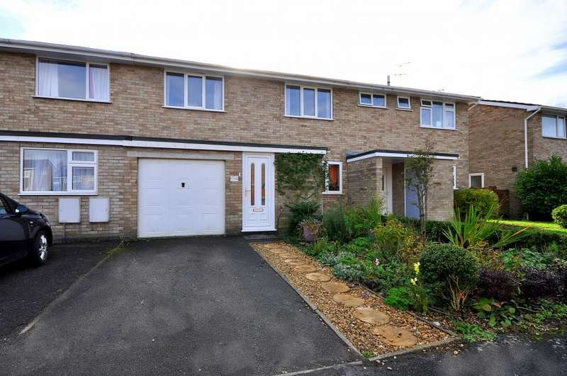 4 Bedrooms Terraced House for sale in Forestside Gardens, Ringwood, BH24 1SZ