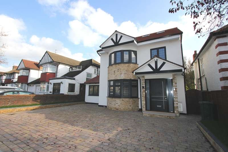 5 Bedrooms Detached House for sale in Selvage Lane, London, Greater London. NW7 3SP