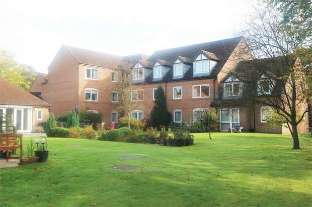 1 Bedroom Flat for sale in High Street, Sandhurst, Berkshire