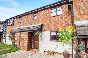 3 Bedrooms Terraced House for sale in Wickham Close, Newington, Sittingbourne, Kent