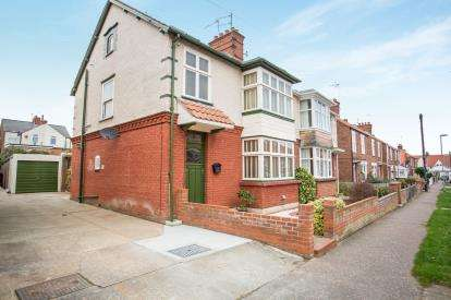 4 Bedrooms Semi Detached House for sale in Gorleston, Great Yarmouth, Norfolk