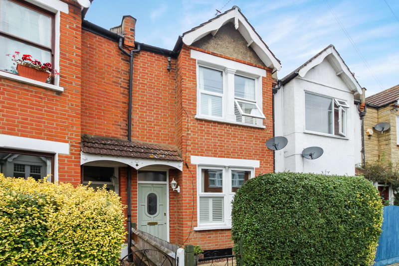 2 Bedrooms Terraced House for sale in Queens Road, New Malden