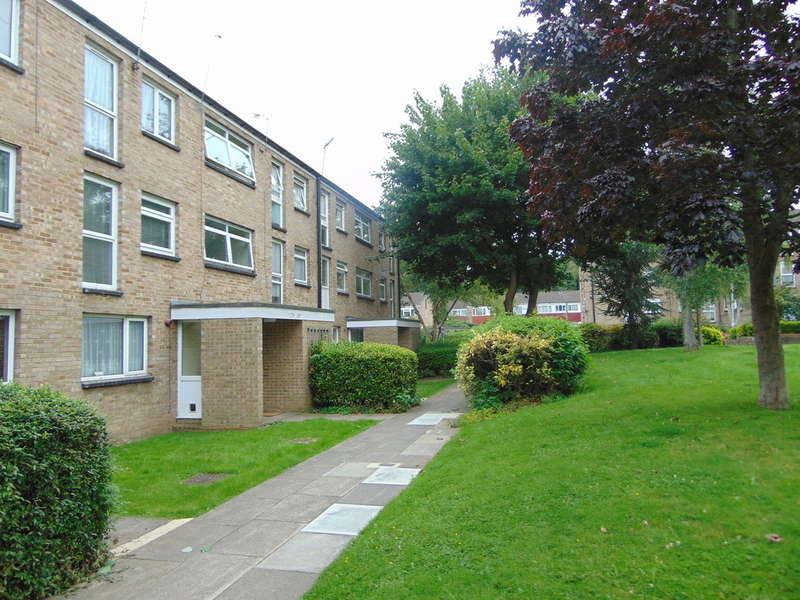 1 Bedroom Flat for sale in Friarswood, Pixton Way, Croydon, CR0 9JN