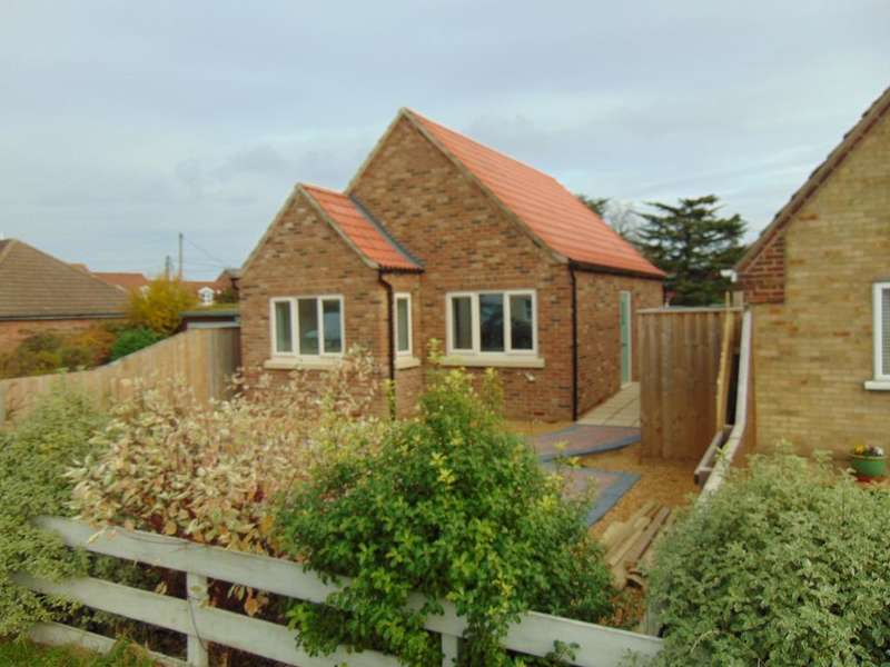 2 Bedrooms Detached House for sale in Gaultree Square, Emneth, Wisbech, Cambridgeshire, PE14 8DA
