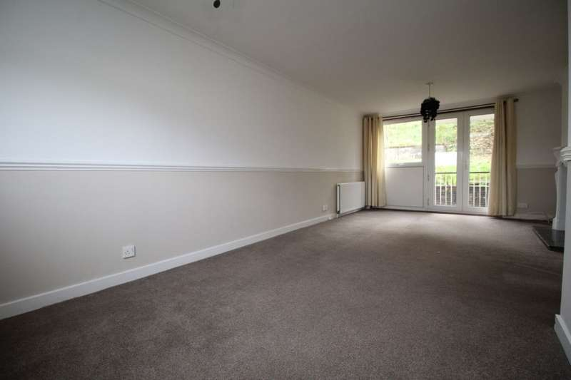 2 Bedrooms Flat for rent in Westwood Hill, East Kilbride, Glasgow, G75