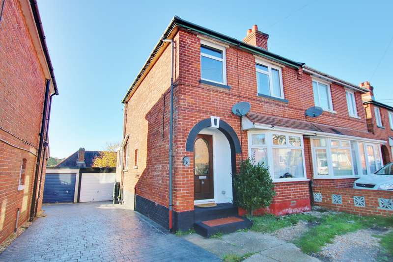 3 Bedrooms Semi Detached House for sale in EXTENDED SEMI-DETACHED HOUSE! GARAGE! IMPRESSIVE GARDEN! A MUST SEE!
