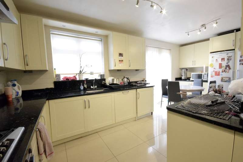 4 Bedrooms Semi Detached House for sale in STURGESS AVENUE, Hendon Central, London, NW4