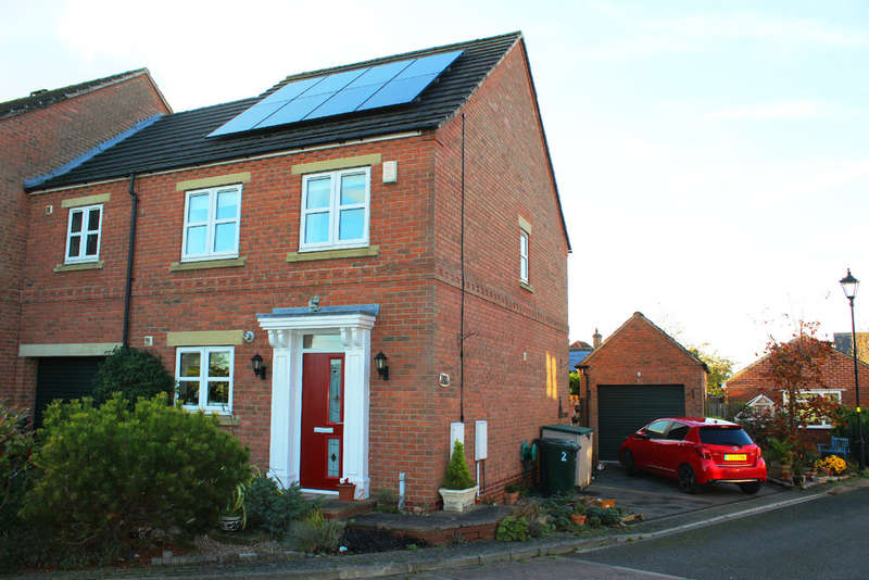 2 Bedrooms Semi Detached House for sale in Wolsey Grange, Cawood, Selby