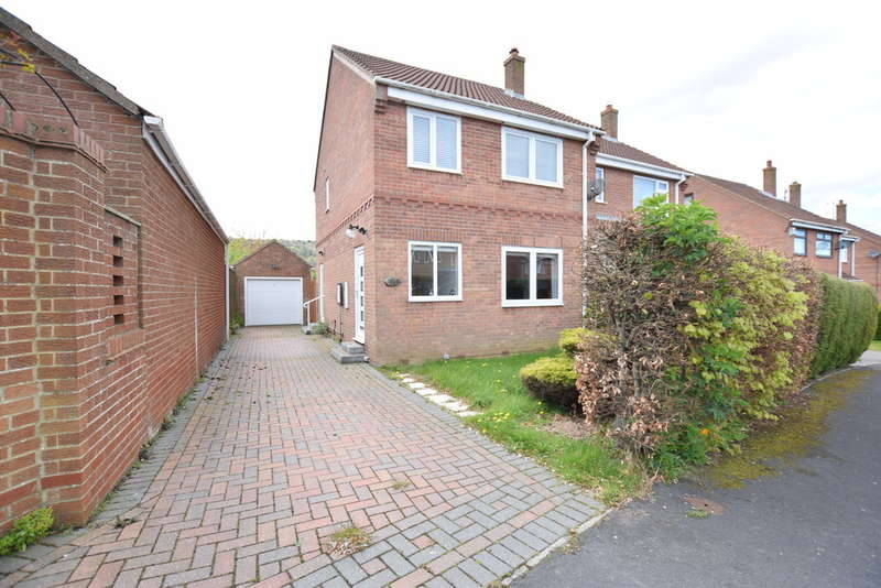 3 Bedrooms Semi Detached House for sale in Hovingham Drive, Scarborough