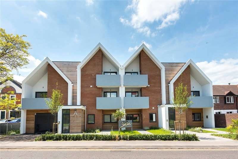3 Bedrooms Flat for sale in 8 Stowe Apartments, Station Road, Bourne End, Buckinghamshire, SL8