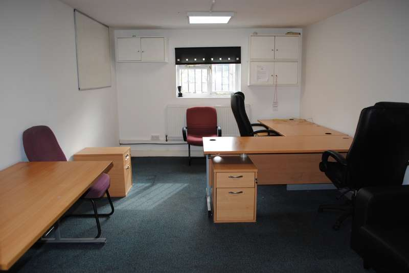 Commercial Property for rent in London Road, Romford