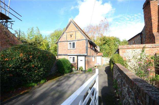 2 Bedrooms Detached House for sale in Paddock Road, Caversham, Reading