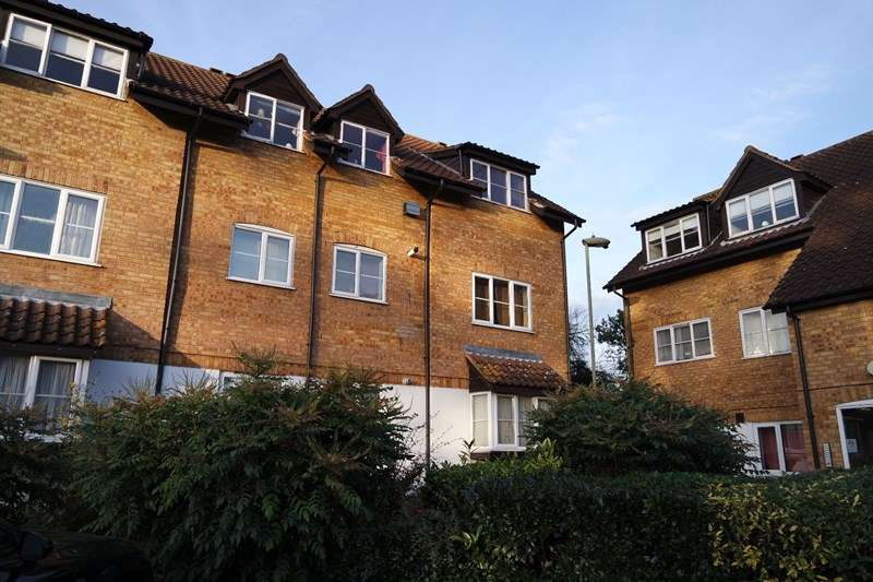 Property for sale in Boleyn Way, New Barnet