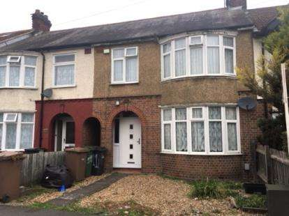 3 Bedrooms Terraced House for sale in Blundell Road, Luton, Bedfordshire
